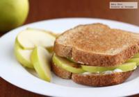 Emparedado de manzana y queso crema. Receta