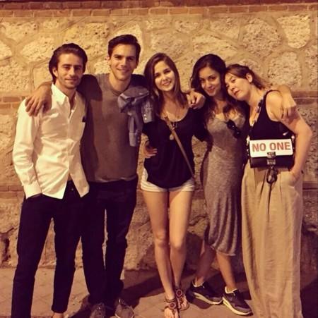 Hiba Abouk Con Marc Y Natalia