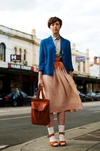 Looks de calle para estos días: vestidos e ideas para esta Nochevieja, color