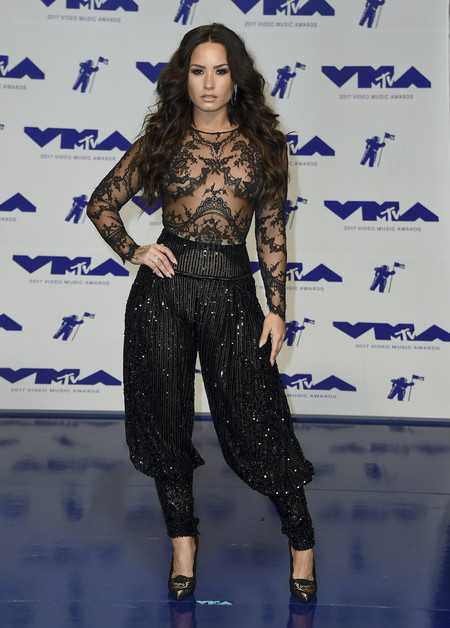 mtv vma video music awards 2017 alfombra roja red carpet demi lovato