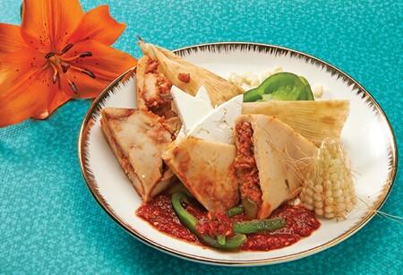 Corundas de pollo. Receta fácil de la cocina tradicional mexicana