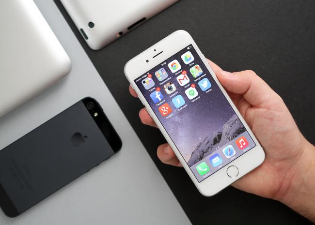 Cuatro motivos por los que Apple ha vendido más smartphones que Samsung en Q414