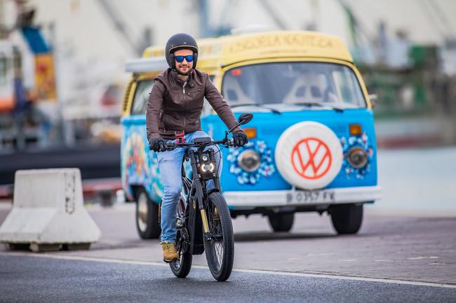 Madrid no quiere motos aparcadas en sus aceras y nos lo pondrá aún más difícil con una nueva Ordenanza
