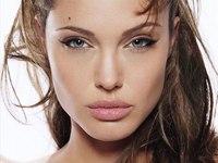 Angelina Jolie no sabe a quien dar su voto
