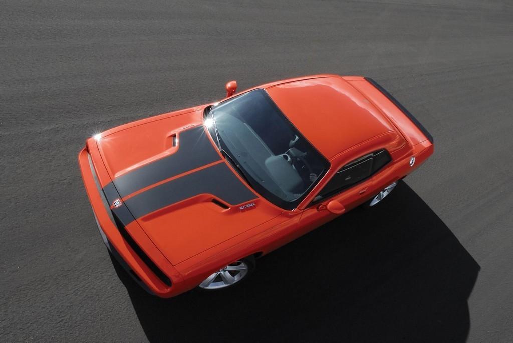 Foto de Dodge Challenger SRT8 (48/103)