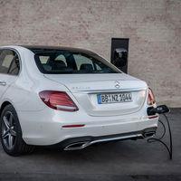 Mercedes-Benz Clase E 300 DE: un híbrido enchufable con una autonomía eléctrica de 54 km desde 66.400 euros
