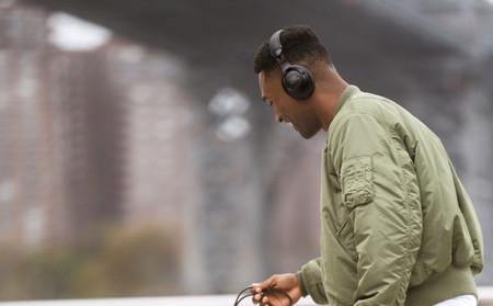Con cancelación de ruido y conexión Bluetooth 5.0: así son los nuevos auriculares de JBL para la gama alta