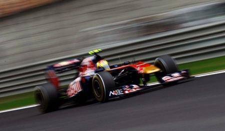 GP de China F1 2011: Jaime Alguersuari se ve obligado a abandonar por una rueda mal apretada