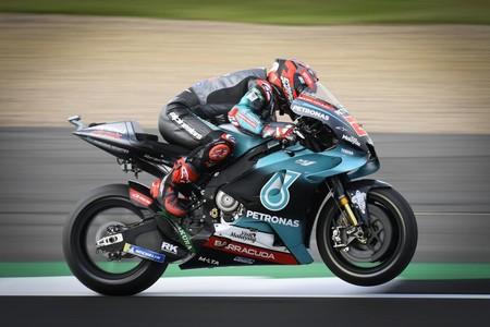 Fabio Quartararo destroza con polémica el récord de Silverstone en los entrenamientos libres de MotoGP