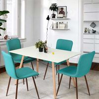 En Amazon tenemos este pack de 4 sillas estilo nórdico tapizadas por 139,99 euros y envío gratis