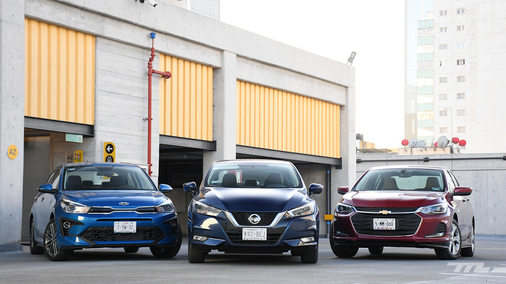 Nissan Versa vs. Chevrolet Onix vs. KIA Rio, comparativa: un duelo de best-sellers en México (+ video)