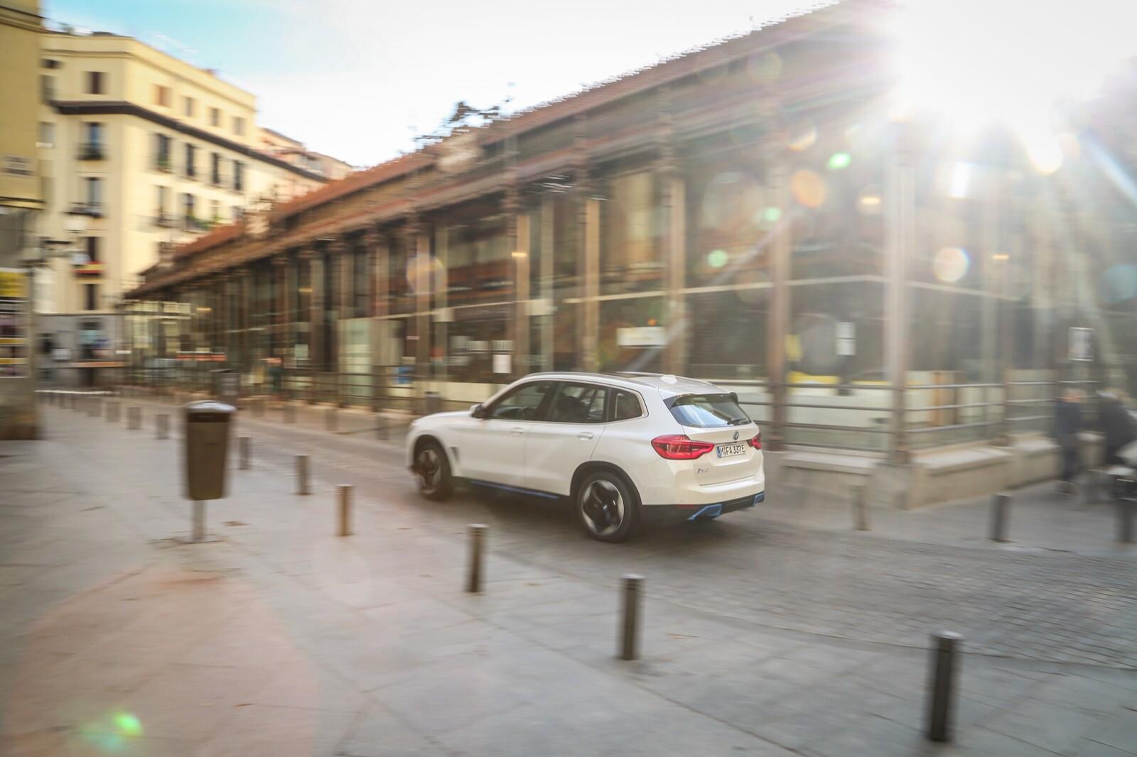 Foto de BMW iX3 (contacto) (1/51)