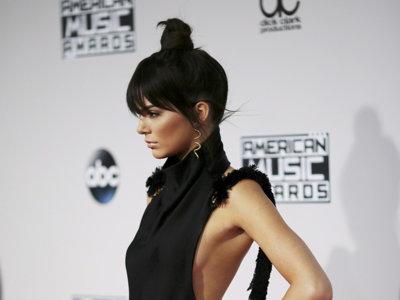 La pareja Kendall + Kylie Jenner volvió a la carga en los American Music Awards 2015