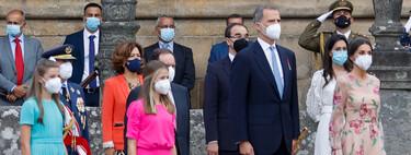 El vestido de flores de la reina Letizia no hace sombra a los coloridos looks de la princesa Leonor y la infanta Sofía en Santiago de Compostela