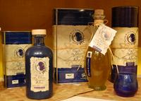 Olivar de la Luna, aceite de oliva ecológico con braille en sus etiquetas
