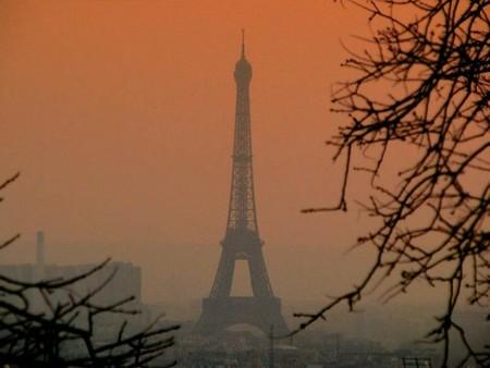 La contaminación sigue en aumento en París y obliga a limitar el tráfico
