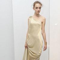 Vestidos drapeados: cómo y cuando llevarlos