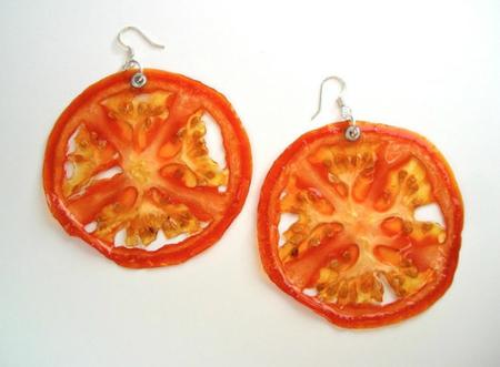 Joyas hechas con frutas deshidratadas