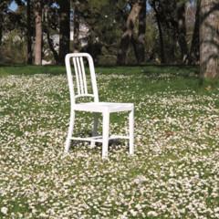 Foto 7 de 7 de la galería 111-navy-chair-reciclando-plastico-con-estilo en Decoesfera