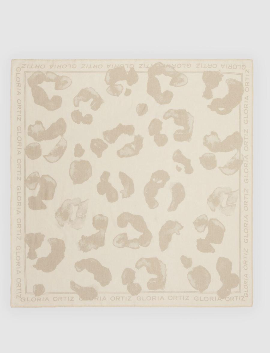 Pañuelo de mujer Gloria Ortiz de algodón beige