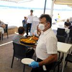 El ministerio de Sanidad disipa las dudas: los comensales no tendrán que llevar mascarilla en los restaurantes