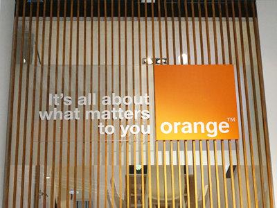Orange sigue en la senda del crecimiento de ingresos, mientras su despliegue de fibra no cesa