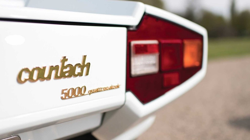 Gold Plated Lamborghini Countach 11