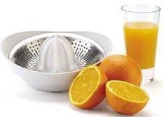 Un estudio revela que los zumos naturales son tan saludables como las frutas u hortalizas enteras