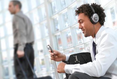 Los Bose QuietComfort 15 añaden micrófono y control en el cable