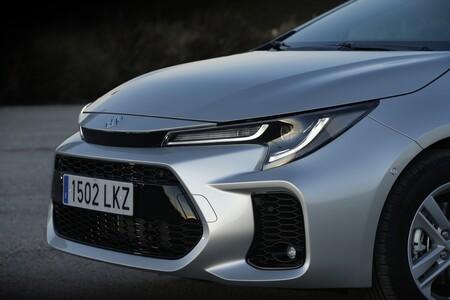 Suzuki Swace frontal