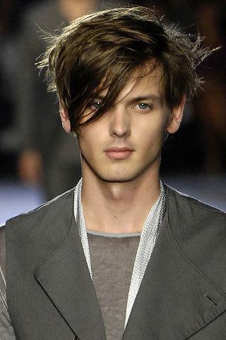 Cortes para hombres con pelo largo
