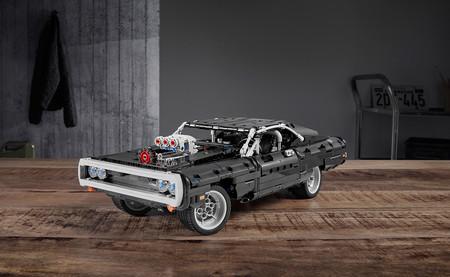 Este es el Dodge Charger de 'Fast & Furious' de LEGO Technic, para disfrutar en casa como Toretto en su garaje