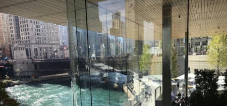 La Apple Store de Chicago bajará sus luces para evitar un problema inesperado: impactos de pájaros en sus cristales
