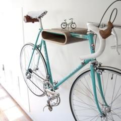 dos-buenas-soluciones-para-colgar-la-bicicleta