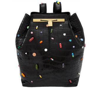 The Row y Damien Hirst, una mochila llena de arte