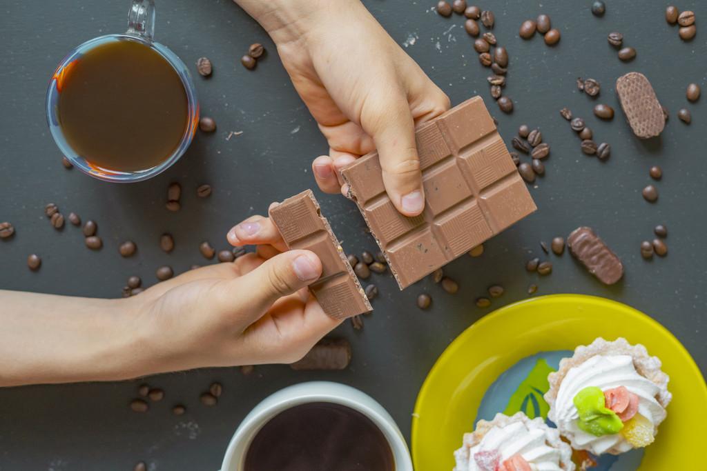 Esto es en lo que te tienes que fijar al comprar una tableta de chocolate para que sea lo más saludable posible