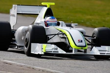 El BGP001 de Brawn GP empieza sorprendiendo