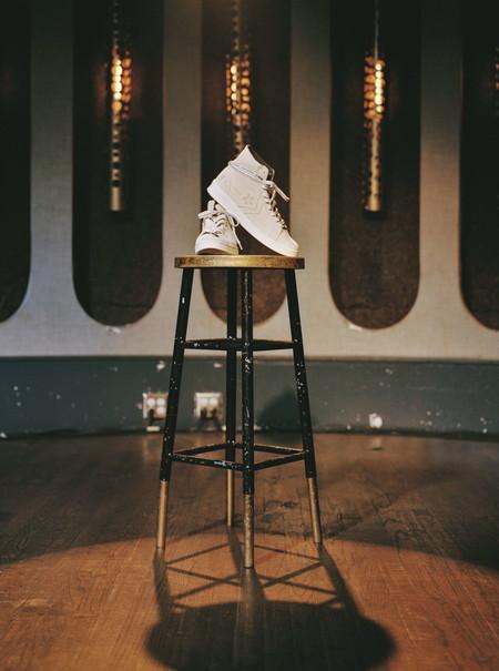 Converse y Midnight Studios han diseñado la zapatilla perfecta para llevar en nuestros looks de verano
