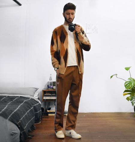 El Mejor Street Style De La Semana Las Calles Comienzan A Vestirse De Camel Para El Otono 04