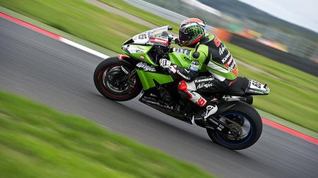Superbikes Rusia 2012: agua, tortas y victoria de Tom Sykes