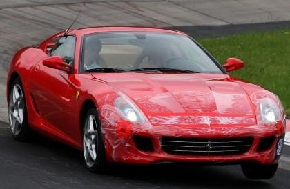Schumi, probador de Ferraris... de calle