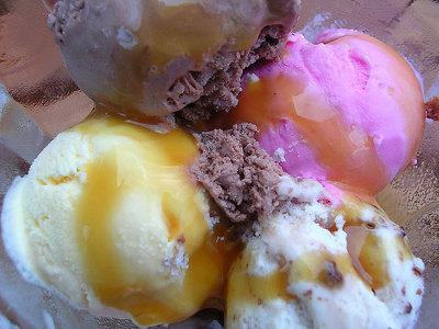 Algunos trucos para comer helado sin descuidar la dieta