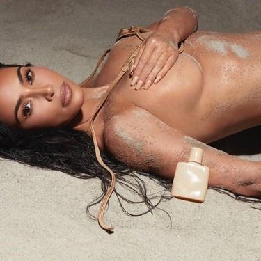 Kim Kardashian presenta su nueva colección de fragancias bajo el nombre de Essential Nudes (y siguiendo el estilo de Skims)