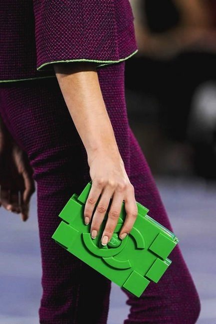 Después del Hula Hoop bag de Chanel, ahora llega el Lego bag