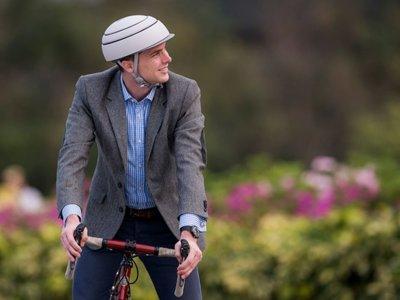Closca Fuga, el casco plegable creado por una start-up valenciana