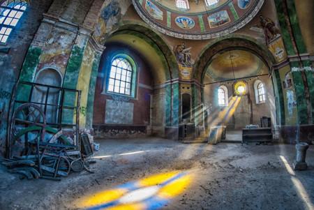 Esa extraña y bella obsesión por los lugares abandonados