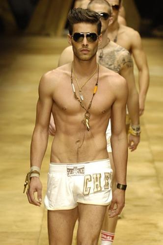 Jon Kortajarena, entre los 10 mejores modelos del mundo