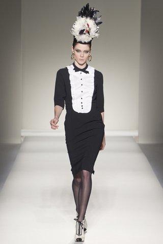 Moschino Otoño-Invierno 2011/2012 en la Semana de la Moda de Milán