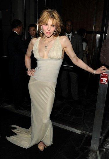 Courtney Love planta cara a Olivia Palermo en la premiere de 'Henry's Crime'