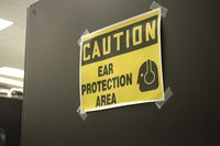 Los riesgos laborales del sector servicios (I): el ruido